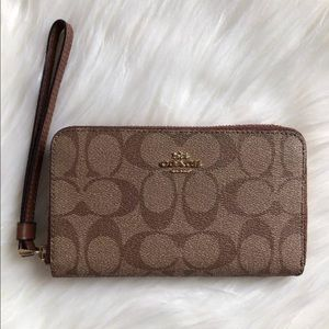 Coach Phone Wallet Wrislet Signature Khaki Brown